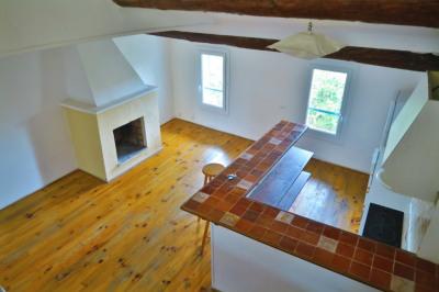 Dernier étage avec terrasse !