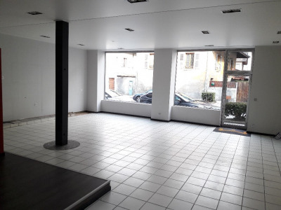 Local commercial Sallanches 1 pièce(s) 82,14 m2