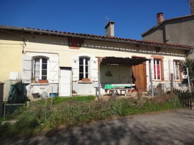 Maison de village de 210 m² avec jardins et garage