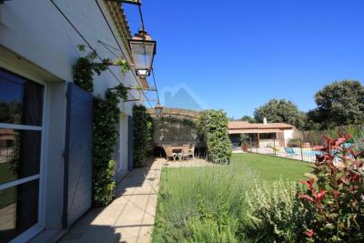 Très belle villa quartier recherché / Rochefort Du Gard