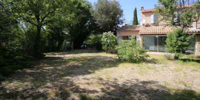 Villa Meyrargues 4 pièce (s) 150 m²