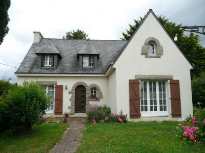 Maison Saint Jean Brevelay 8 pièce (s) 165 m²