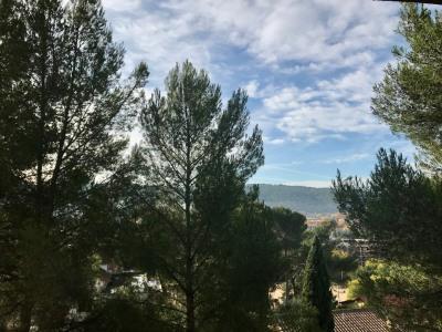 Aix en Provence, grand T4, au calme et jolie vue.