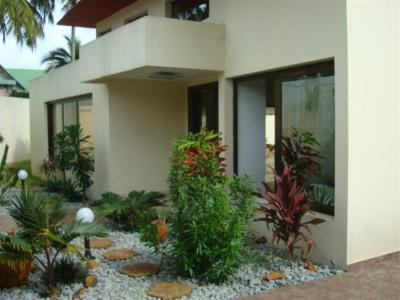 Location maison villa villa abidjan 99000 cocody 2 plateaux belle villa moderne en tr s bon for Villa tres moderne