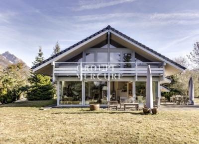 Maison récente dans un environnement calme et verdoyant