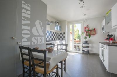 Appartement Aix En Provence 5 pièce (s) 105.02 m²