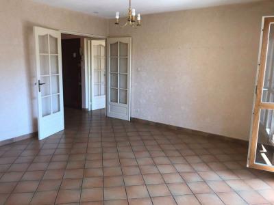 PONT-EVEQUE, appartement T4 de 79m² avec parking