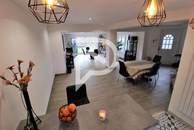 Maison Saint Prix 10 pièce (s) 350 m²