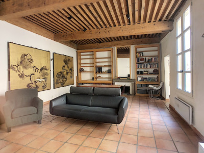 Avignon Intra Muros T4 de 103 m² au calme absolu