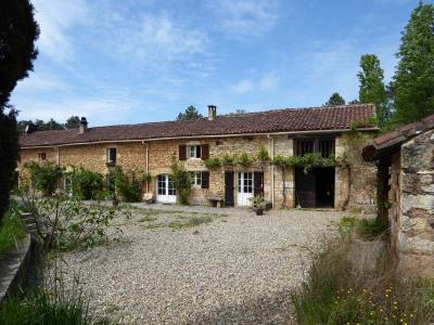 Longère (traditional long house) 6 rooms Prayssac