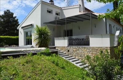 Villa quint - 6 pièce (s) - 210 m²