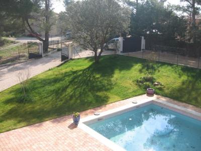 Villa piscine eguilles
