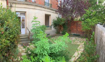F3 rénové avec jardin (fibre optique)