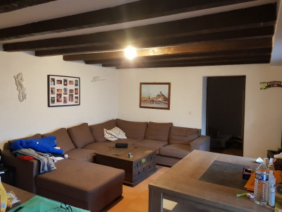 Pélissanne à louer appartement T3 de 80 m² en centre village