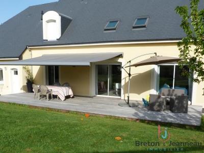 Pavillon laval - 8 pièce (s) - 176.97 m²