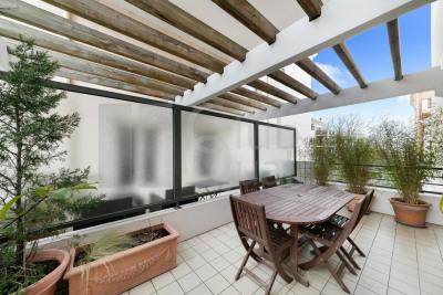Appartement familial avec terrasses dans immeuble de standin