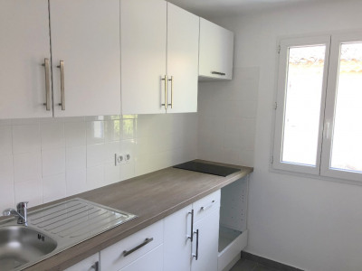 Appartement type 2 en 1er étage Centre Village LES MILLES