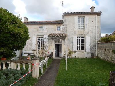 TALMONT, maison de caractère 150 m²