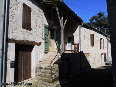 Maison de village laugnac - 2 pièces - 76 m²