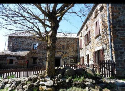 Campagne du mazet très belle ferme en pierre de 180m² grange