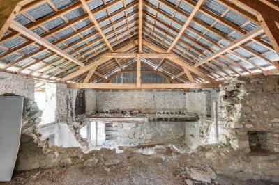 Corps de ferme à réhabiliter de 85m² au sol