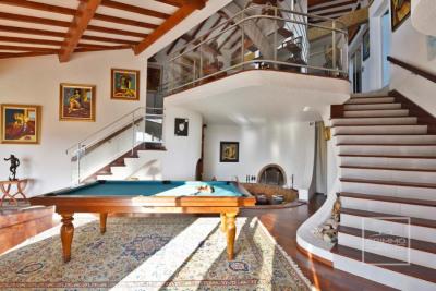 Maison 9 pièce(s) 400 m2