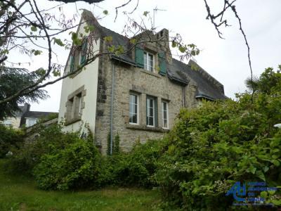 Maison en pierres des années 30 sur terrain de 1899 m²