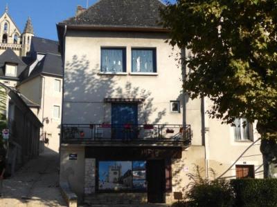 Maison dans quartier historique