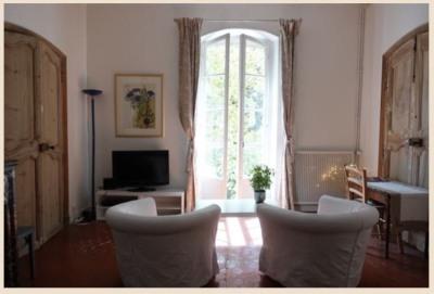 Location dans un appartement (65 m2) en centre ville à Aix e