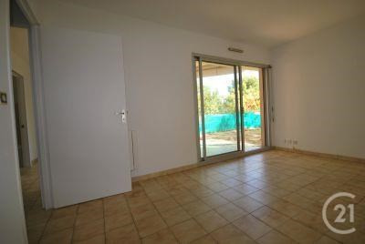 Rental apartment Antibes 761€ CC - Picture 3