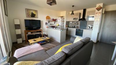 Appartement type 2 à vendre AIX LA DURANNE