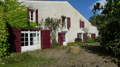 Maison Saint Medard D Aunis 5 pièce (s) 200 m²