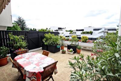 Appartement Champs Sur Marne 5 pièce (s) 104 m²