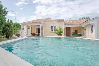 Jolie villa au calme avec jardin clos et arboré de 800m²