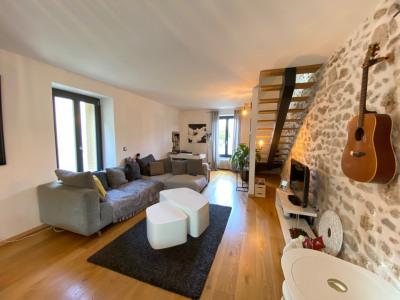Maison en pierre intégralement rénovée
