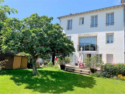 Maison La Rochelle 8 pièce (s) 218 m²