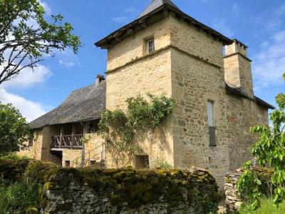 Maison perigourdine ancienne en pierre a finir de rénover