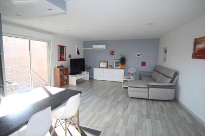 Appartement type T4 avec piscine et terrasse