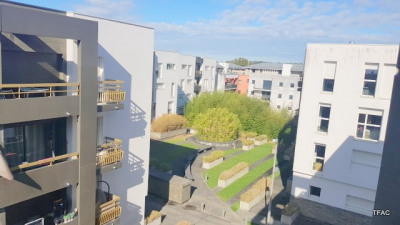T2 bis + PARKING + BALCON avenue Thiers/Bordeaux Bastide