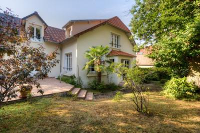 Maison Marly Le Roi 10 pièce(s) 335 m2