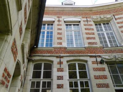Maison bourgeoise 14 pièce (s) 360 m² VALENCIENNES