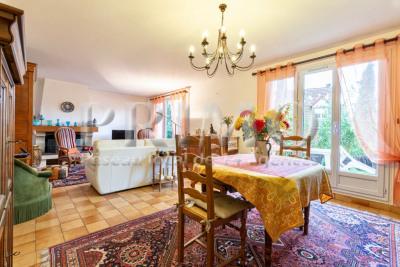 Maison 5 pièces, terrain de 520 m², 3 chambres, garage