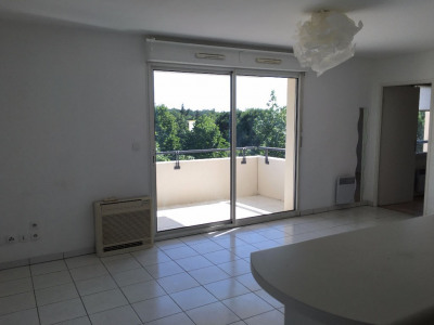 Appartement T2 GOLF DE Seilh