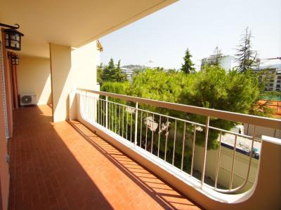Appartement Nice 4 pièces - terrasses - vue dégagé