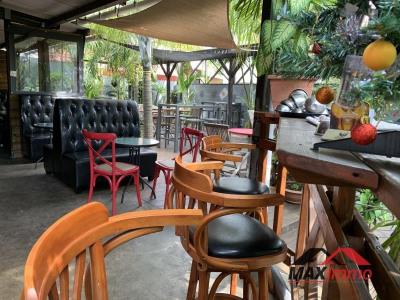 Restaurant st pierre - 196 m²