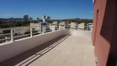 T2 + terrasse + pkg seyne sur mer - 2 pièce (s) - 45 m²