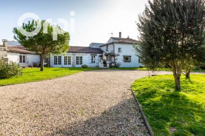 Maison CHARENTAISE à Arvert - jardin paysager et p