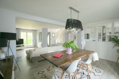 Maison contemporaine HERICY - 7 pièce (s) - 175 m²