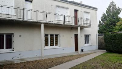 Immeuble de rapport (5 Appartements + 24 Garages)