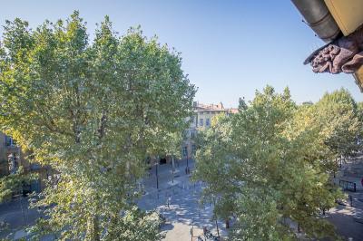 T2 - Dernier étage - Cours Mirabeau